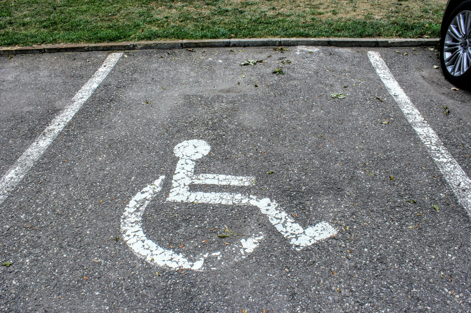 Parcare persoane cu dezabilitati 2
